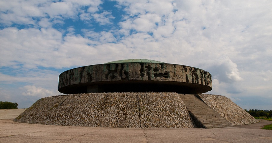 Mauzoleum Majdanek - spec